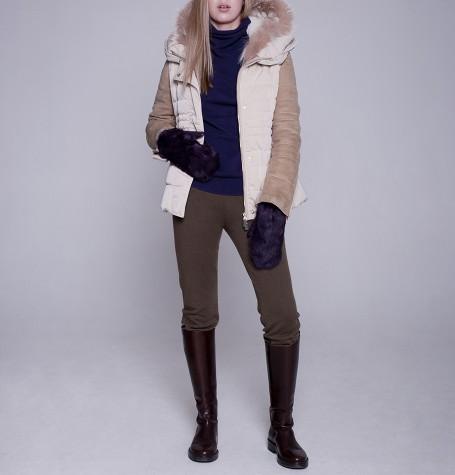 Женская пуховая куртка c оторочкой из меха