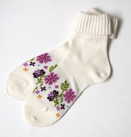 Носки белые с цветами
