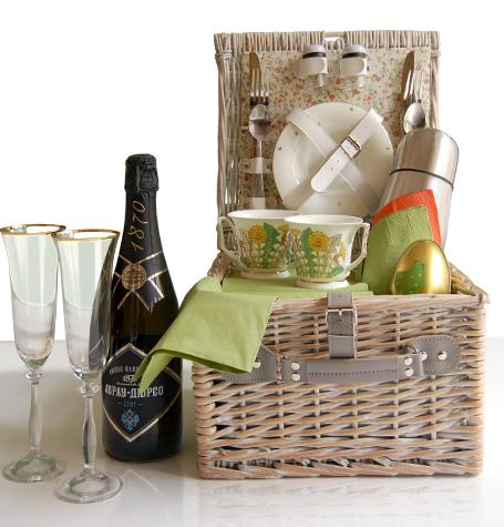 Роскошный набор для пикника: корзинка, чайный с-з, бокалы д/шампанского Императорского фарфорового завода